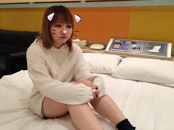FC2 PPV 970620 【個人撮影】はな18歳 ゴ〇キ似なアイドルクラス美少女に初中出し!