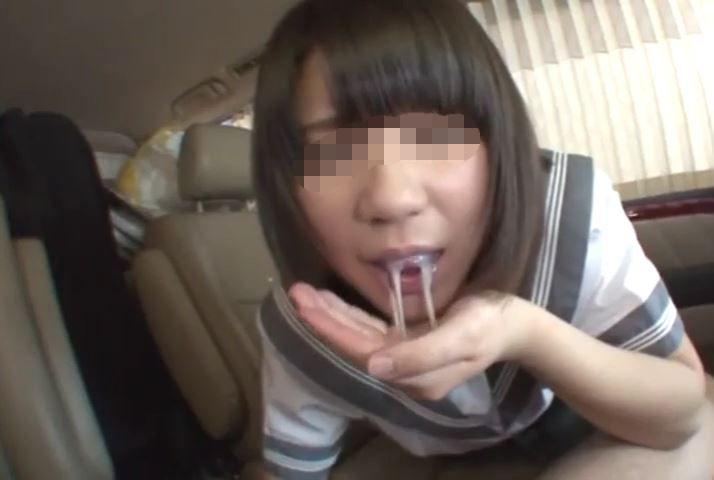 清楚系色白童顔激カワ制服娘に、車内フェラ抜き超大量特濃口内発射!