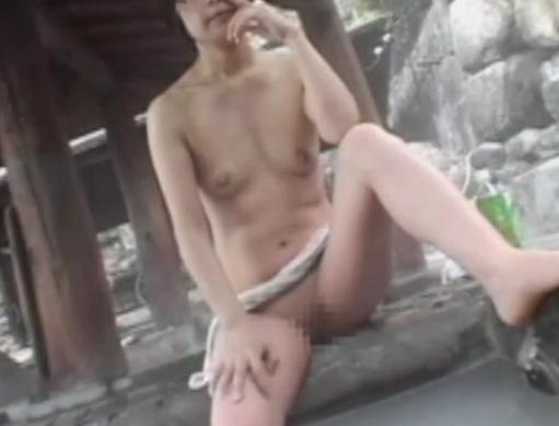 【個人撮影】五十路熟母温泉宿露出NTR放出遊戯